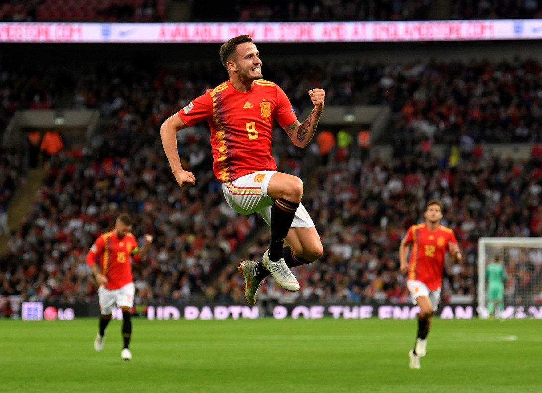 Saúl Ñíguez celebra su gol en Wembley ante Inglaterra.