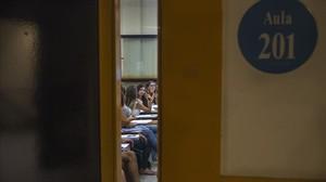 Una aula de la facultad de Educación de la Universitat de Barcelona (UB), en el campus de las Llars Mundet.