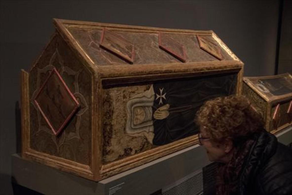 Una caja sepulcral de Sijena custodiada por el Museu de Lleida.