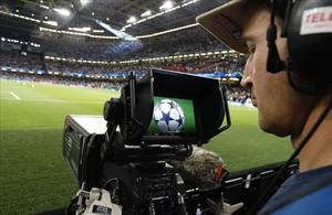 Cámara de televisión en la última final de la Champions.