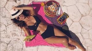 Juana Acosta disfruta del sol després de la seva ruptura amb Ernesto Alterio