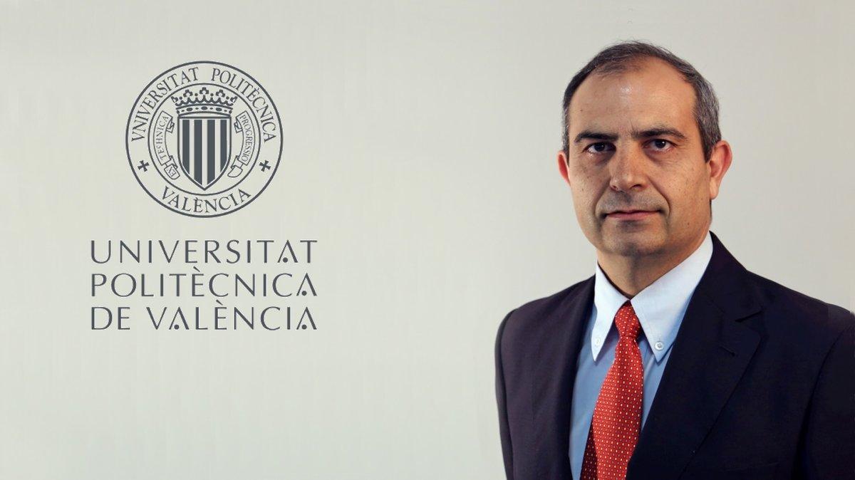 Víctor Yepes es Doctor Ingeniero de Caminos, Canales y Puertos y Catedrático del Departamento de Ingeniería de la Construcción y Proyectos de Ingeniería Civil de la Universitat Politècnica de Valencia.