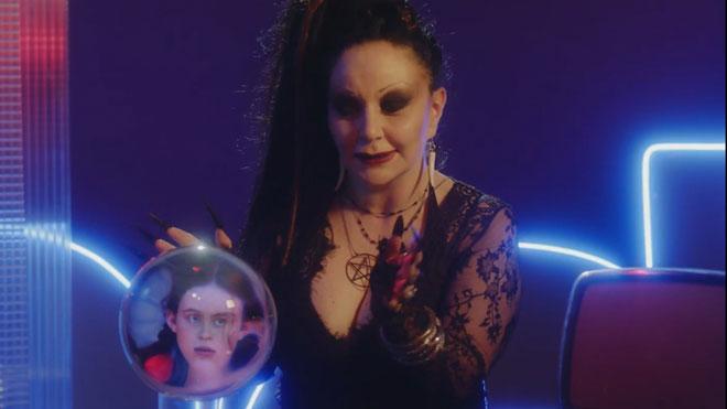 Vídeo promocional de 'Stranger things' con 'La bola de cristal'.