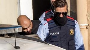 Tomás Pardo Caro sale del juzgado de Rubí.