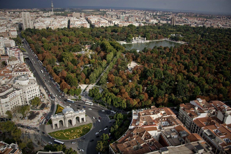 Vista aérea del Parque del Retiro que abre este lunes.
