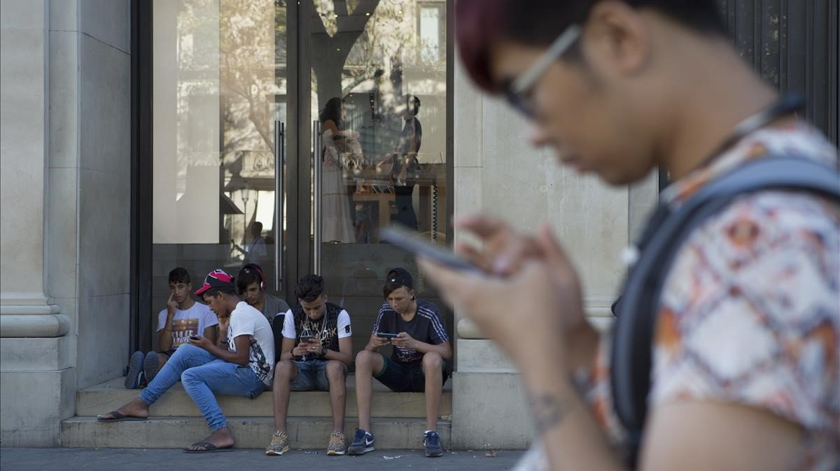 Un nen de 13 anys apunyala el seu pare a Palma perquè li va treure el mòbil