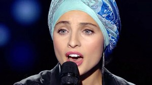 Una musulmana de 'La Voz' a França deixa el concurs per uns polèmics comentaris sobre l'atemptat de Niça