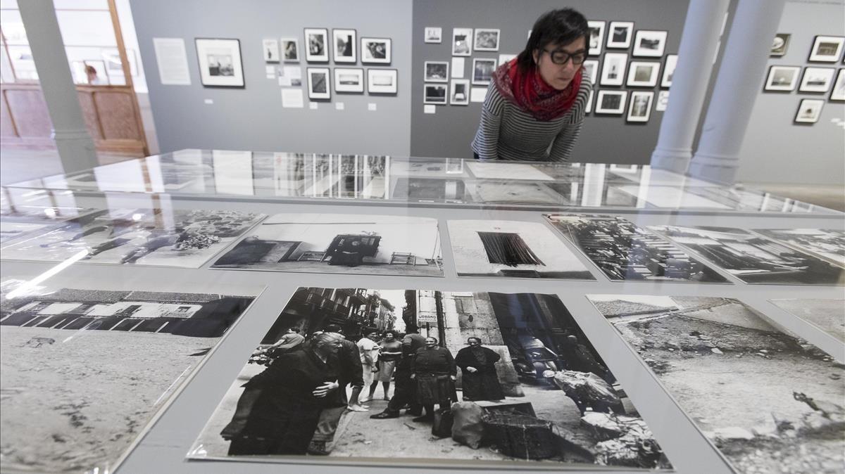 Un apartado de la exposición que Foto Colectania dedica al fotógrafoPaco Gómez