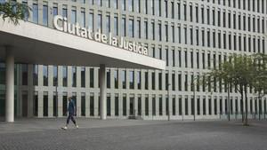 Els jutges van criticar en el seu xat la negativa d'Alemanya d'extradir Puigdemont