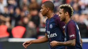 La UEFA encara sospita del PSG en els fitxatges de Neymar i Mbappé