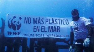 La costa de Barcelona és la segona amb més abocaments de plàstic al Mediterrani, segons WWF