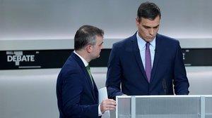 Sánchez preparando el debate electoral.
