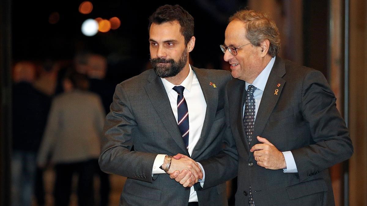 Los presidentes del Parlament, Roger Torrent, y de la Generalitat, Quim Torra, en enero del 2020.
