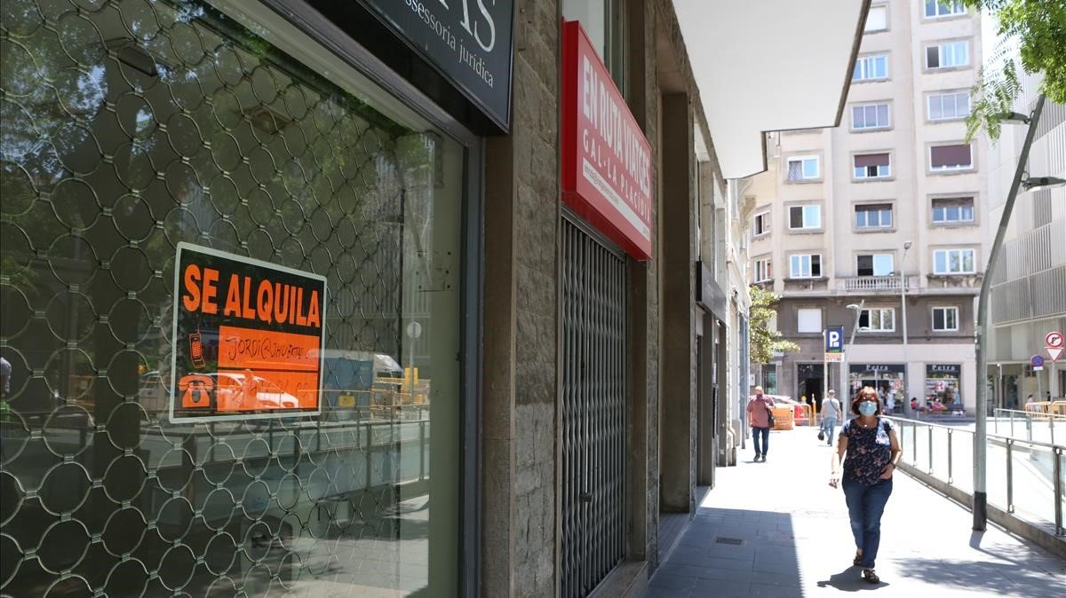 Un local cerrado en la plaza de Gal.la Placídia, este jueves.