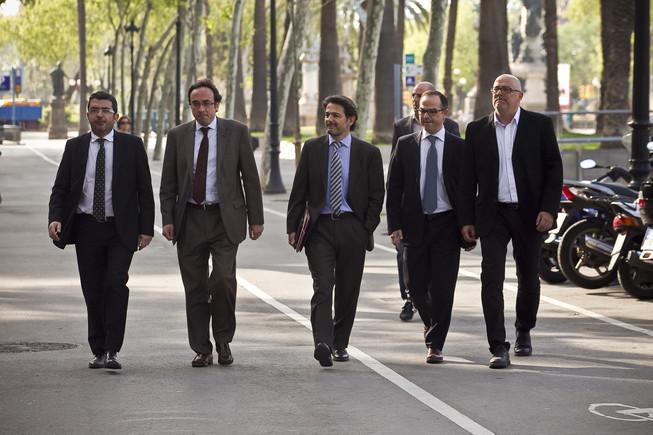 Jordi Turull, junto a Oriol Pujol y otros dirigentes de CDC