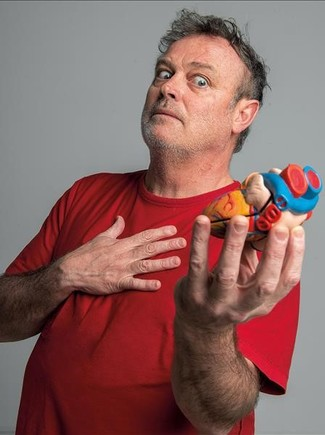 Pablo Carbonell(dibujante, actor, cantante, director de cine, presentador de TV, se resume), con el corazón en la mano.
