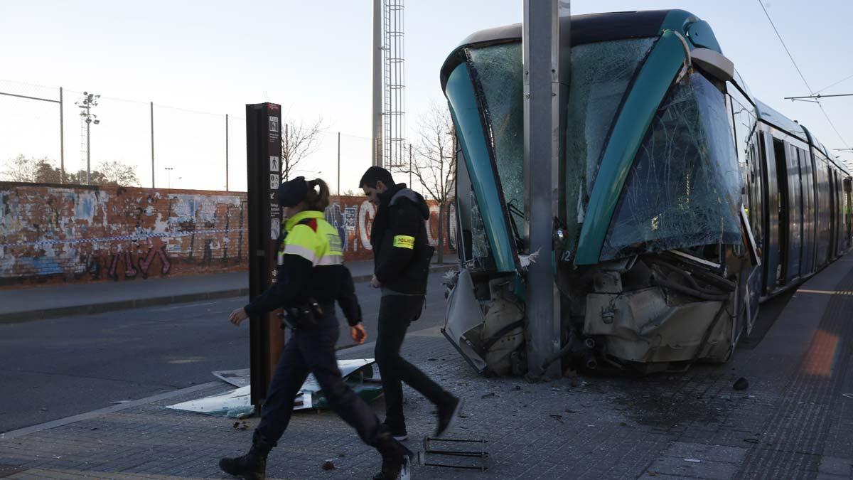 Accidente del Trambesòs en la estación de Sant Adrià.