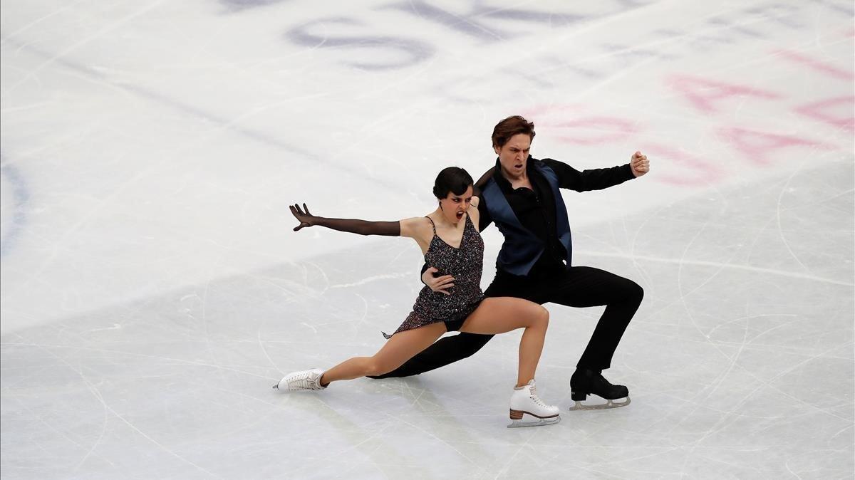 Sara i Kirill sobre gel
