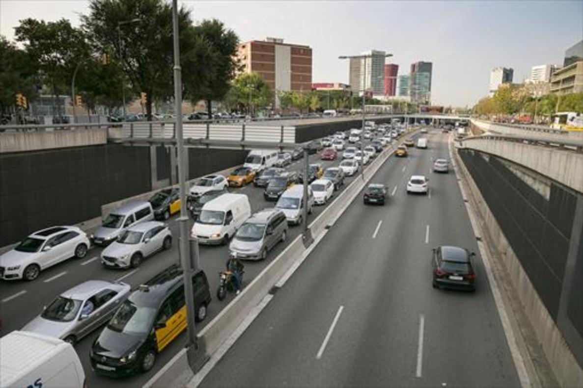 La autovía a cielo abierto después de la plaza de Europa, próxima etapa de urbanización de la Granvia de L'Hospitalet aprobada por la Generalitat.