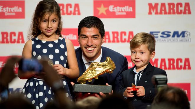 Plantilla y cuerpo técnico se reunieron en Castelldefels, con las ausencias de Piqué y Aleix Vidal