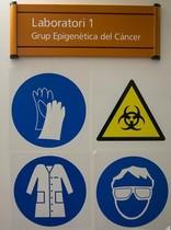 Cartel que advierte sobre la seguridad en el trabajo.