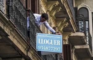 Los carteles de alquiler de pisos desaparecen en pocos días.
