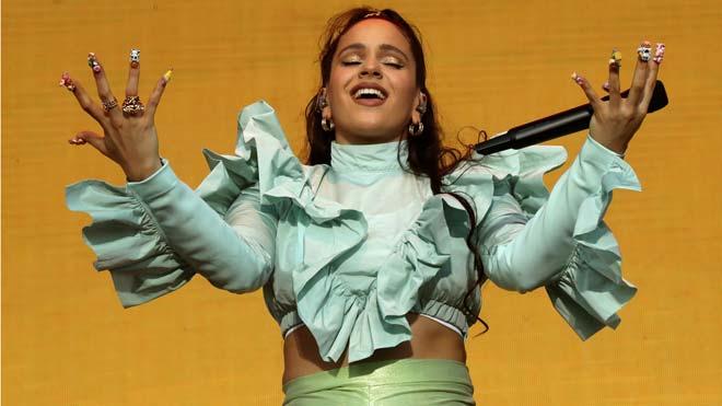 Rosalía emmudeix 40.000 persones en l'obertura del Mad Cool