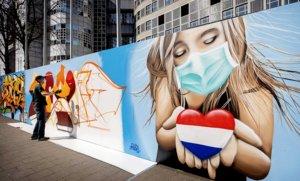 Detalle de un mural callejero del artista Casper Cruse en un muro de La Haya (Holanda), el pasado 11 de abril.