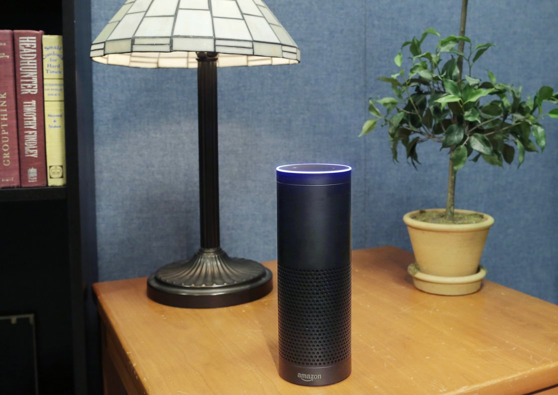 El dispositivo Amazon Echo.