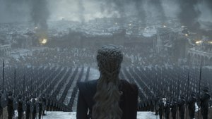 Emilia Clarke, como Daenerys, en el último episodio de Juego de tronos.