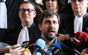 El exconseller Toni Comín valora en Bruselas el fallo contra la euroorden de detención emitida contra él.