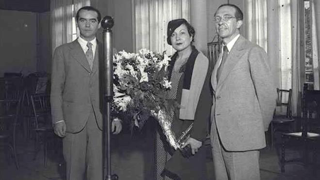 Trobada una fotografia inèdita de García Lorca amb Margarita Xirgu a Barcelona