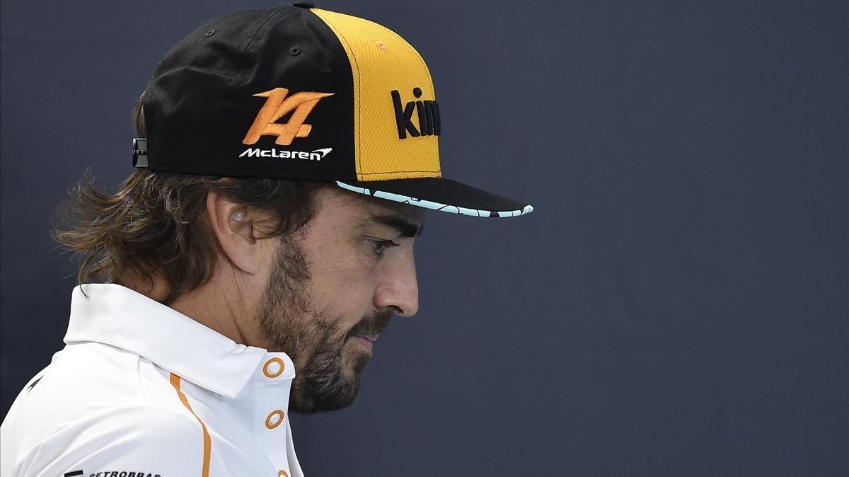 Fernando Alonso, este jueves, a su llegada a la rueda de prensa del GP de Bélgica.