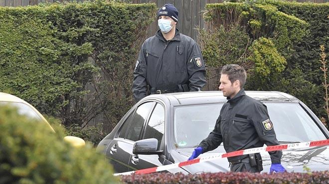 La Fiscalia va confirmar que es van trobar tres textos al lloc dels fets que apunten al gihadisme.