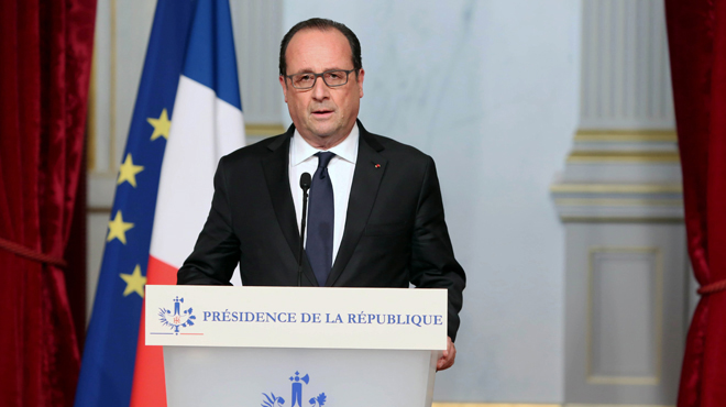 Hollande anuncia que 'Francia será implacable' con el Estado Islámico.