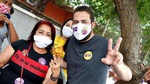 Gilherme Boulos, en un acto de campaña en la periferia de Sao Paulo el pasado 12 de noviembre.
