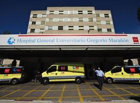 Una inundación hace que se caiga el techo de una sala de extracciones del Hospital Gregorio Marañón