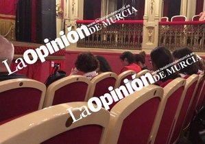El director general de Emergencias de Murcia se fue al teatro en plena DANA