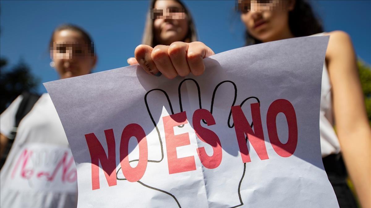Alumnas de un instituto de Toledo durante una manifestación en contra de la sentencia de la Manada.