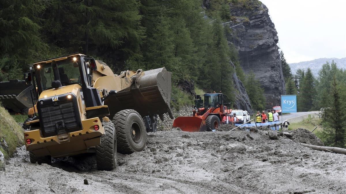 Els despreniments de terra obliguen a retallar la 20a etapa del Tour