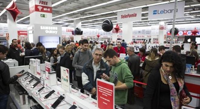 CaixaBank estima que España crecerá un poco menos en el 2016