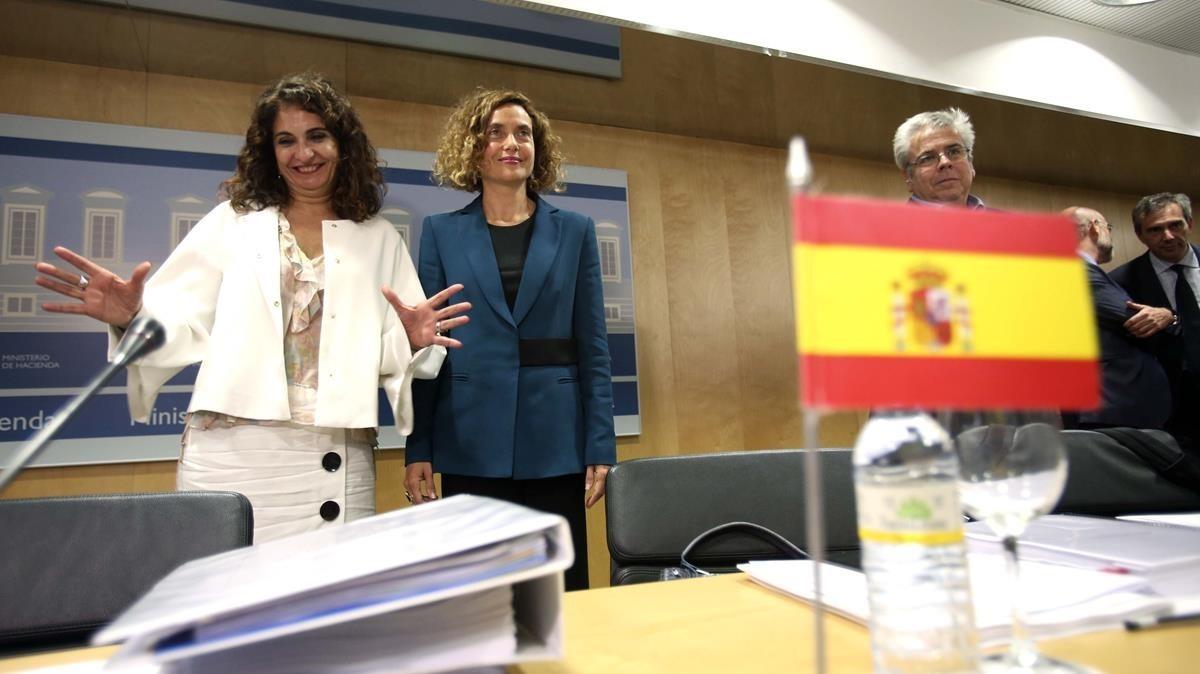 Las ministras de Hacienda, María Jesús Montero, y Política Territorial, Meritxell Batet, en el Consejo de Política Fiscal y Financiera del 19 de julio.