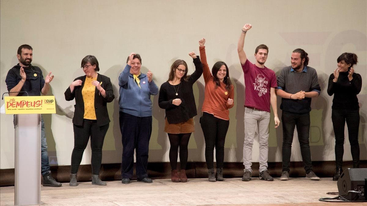 Los candidatos de la CUP presentes en el acto de este martes en Lleida.