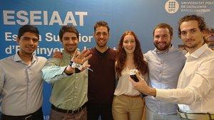 Los estudiantes de la UPC-ESEIAAT que han creado el dispositivo uHandle.