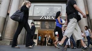 Tienda de Zara (Inditex) en la Gran Via de Barcelona.