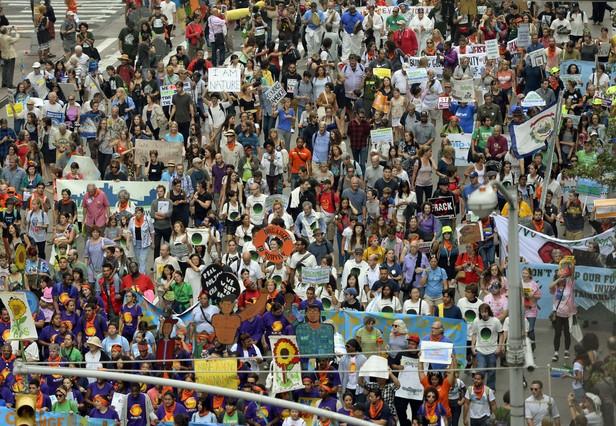 Cientos de manifestantes, en la Sexta Avenida de Nueva York.