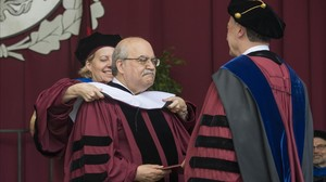 Mas-Colell, investido doctor honoris causa por la Universidad de Chicago.