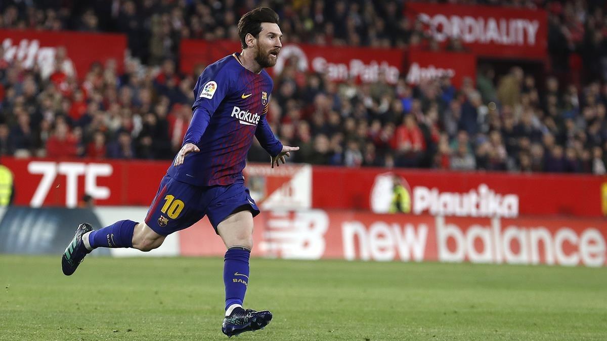 Messi celebra el gol del Sánchez Pizjuán.