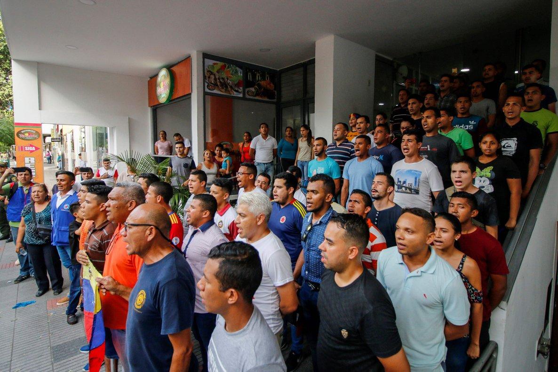Los exmilitares fueron trasladados a las instalaciones de Migración Colombia.