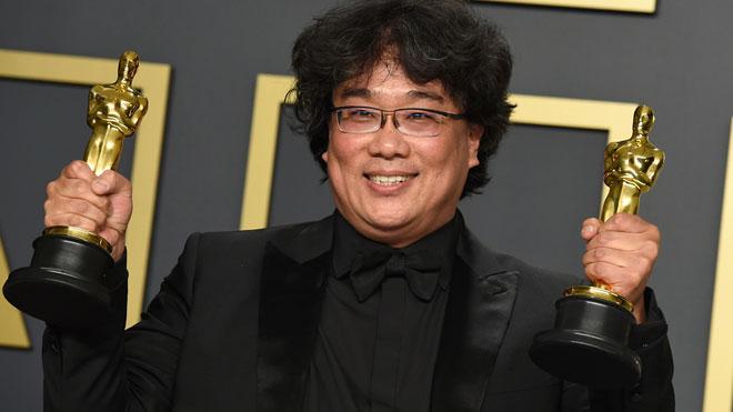 'Parásitos' arrasa en los Oscars con cuatro premios, incluido el Oscar a mejor película. En la foto, el director coreano Bong Joon-ho.
